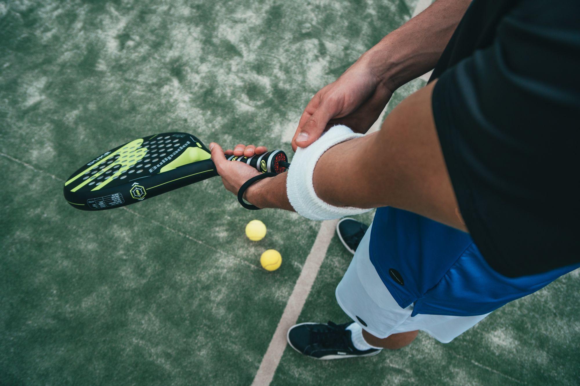 tenisovy laket deva gym